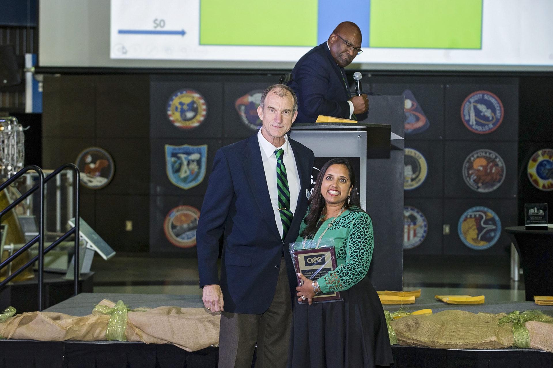 Ruchi accepts AEE Award